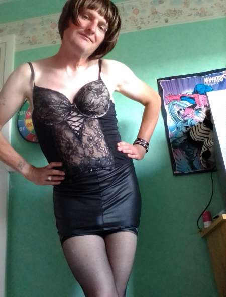Ludique transexuelle mère suite